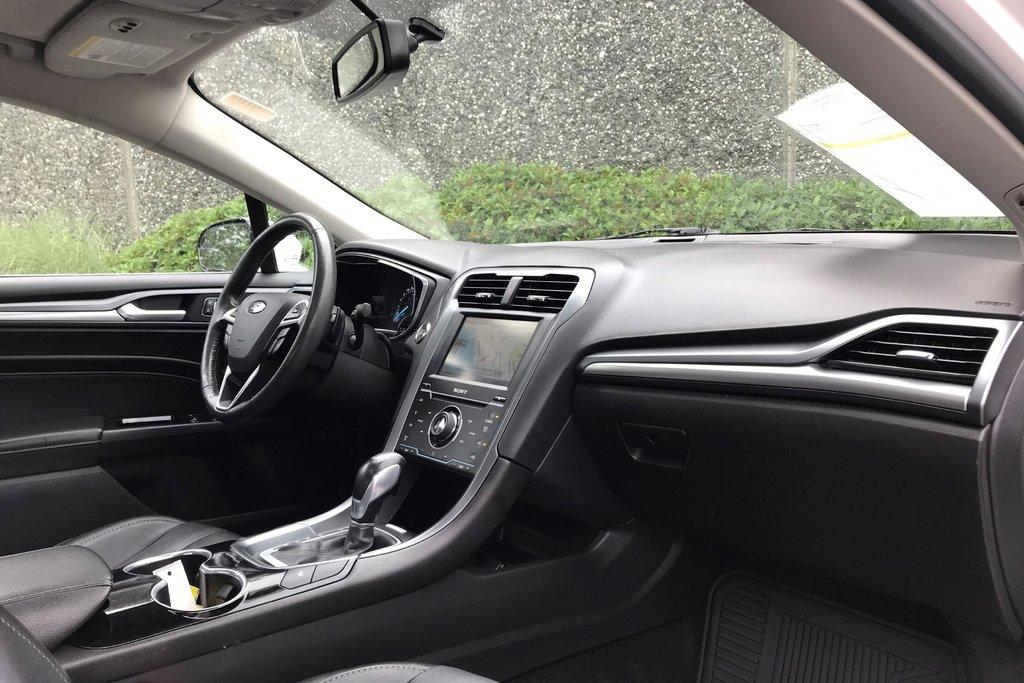 2015 Ford Fusion Titanium in North Vancouver, British Columbia - 9 - w1024h768px