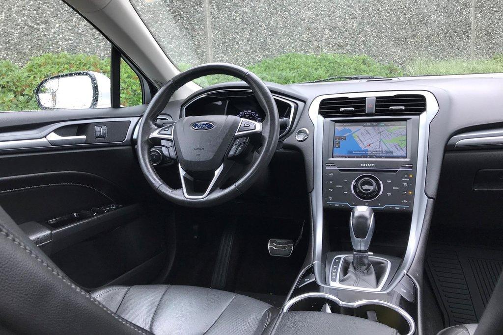 2015 Ford Fusion Titanium in North Vancouver, British Columbia - 10 - w1024h768px