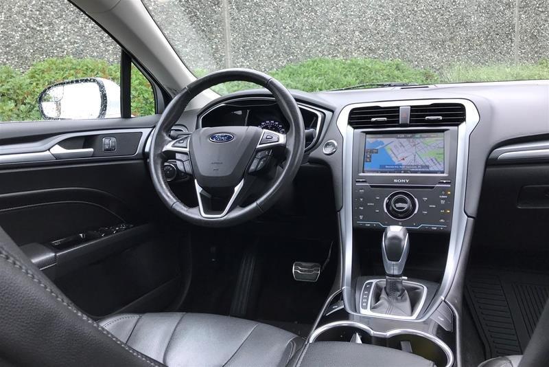 2015 Ford Fusion Titanium in North Vancouver, British Columbia - 19 - w1024h768px