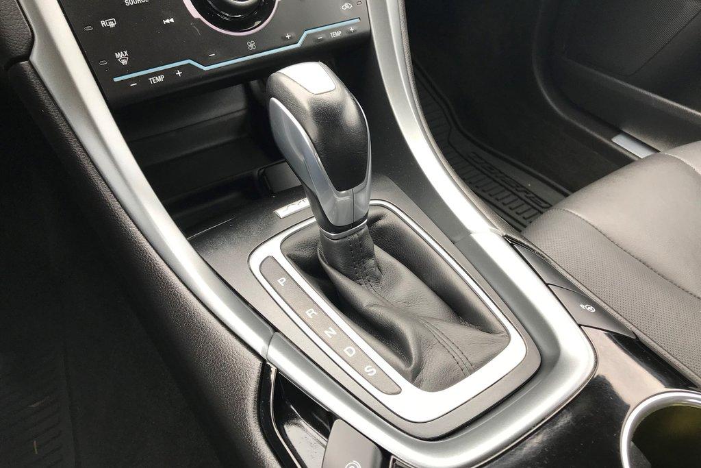 2015 Ford Fusion Titanium in North Vancouver, British Columbia - 5 - w1024h768px