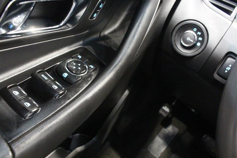 2013 Ford Taurus SEL 4D Sedan in Regina, Saskatchewan - 3 - w1024h768px