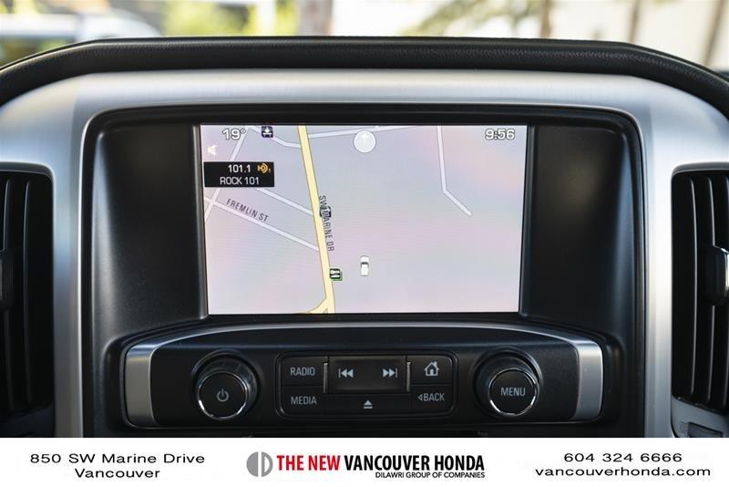 2015 GMC Sierra 3500 Crew 4x4 SLT / DRW in Vancouver, British Columbia - 21 - w1024h768px