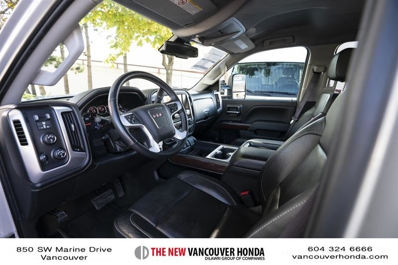 2015 GMC Sierra 3500 Crew 4x4 SLT / DRW in Vancouver, British Columbia - 17 - w1024h768px