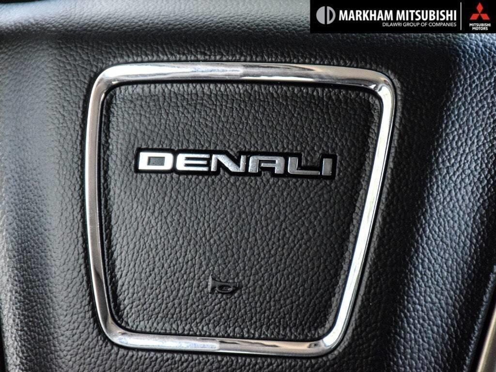 2015 GMC Yukon 4x4 Denali in Markham, Ontario - 16 - w1024h768px