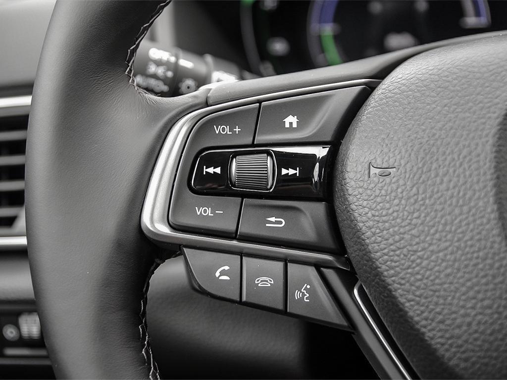 2019 Honda Accord Hybrid Sedan Touring in Mississauga, Ontario - 15 - w1024h768px