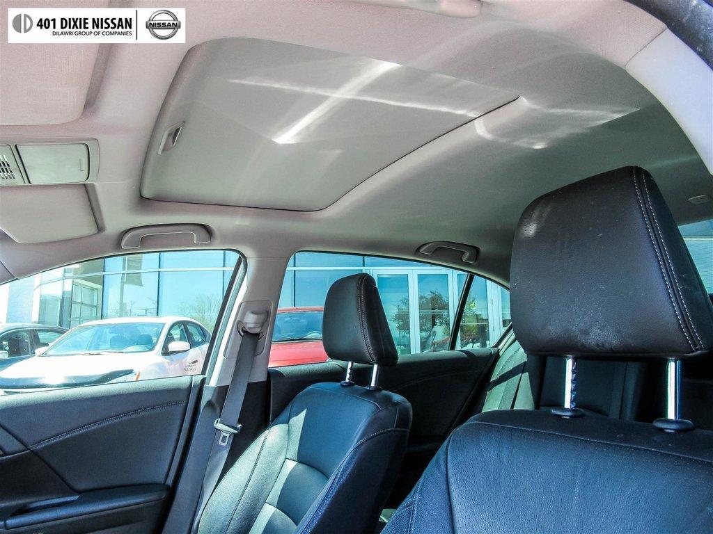 2015 Honda Accord Sedan L4 Touring CVT in Mississauga, Ontario - 17 - w1024h768px