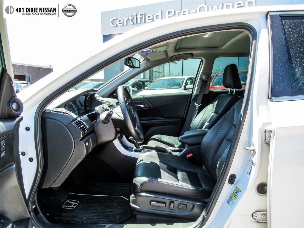 2015 Honda Accord Sedan L4 Touring CVT in Mississauga, Ontario - 9 - w1024h768px