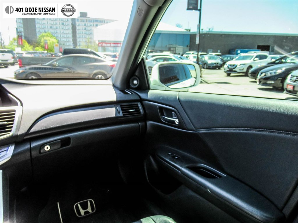 2015 Honda Accord Sedan L4 Touring CVT in Mississauga, Ontario - 14 - w1024h768px