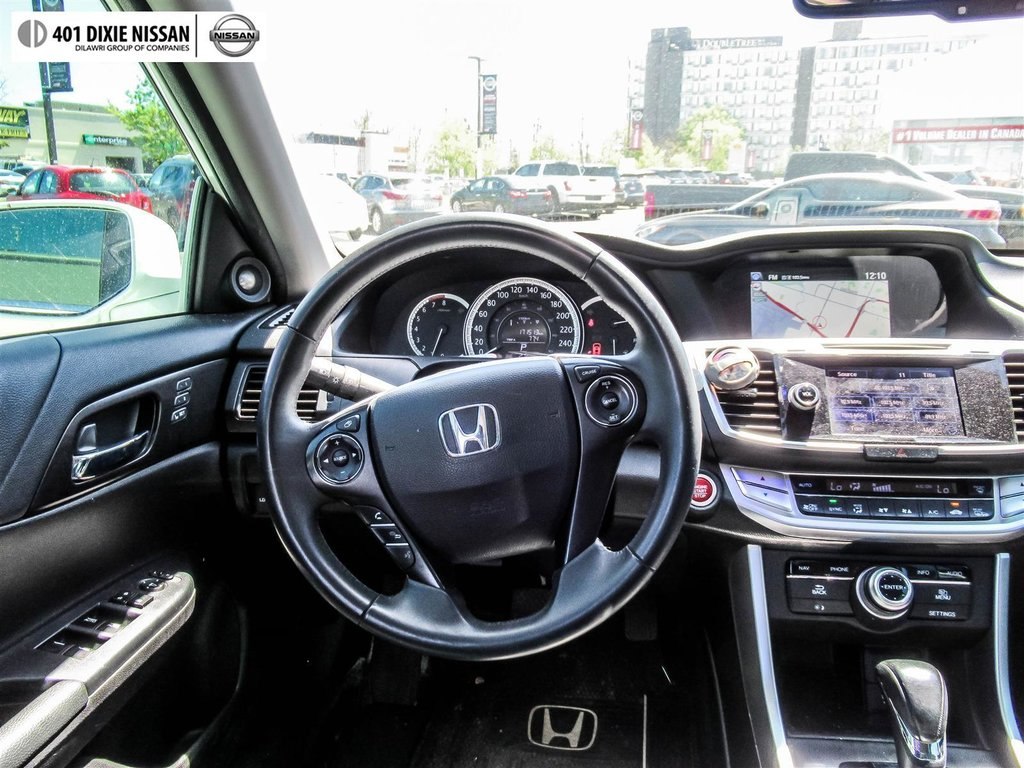 2015 Honda Accord Sedan L4 Touring CVT in Mississauga, Ontario - 13 - w1024h768px