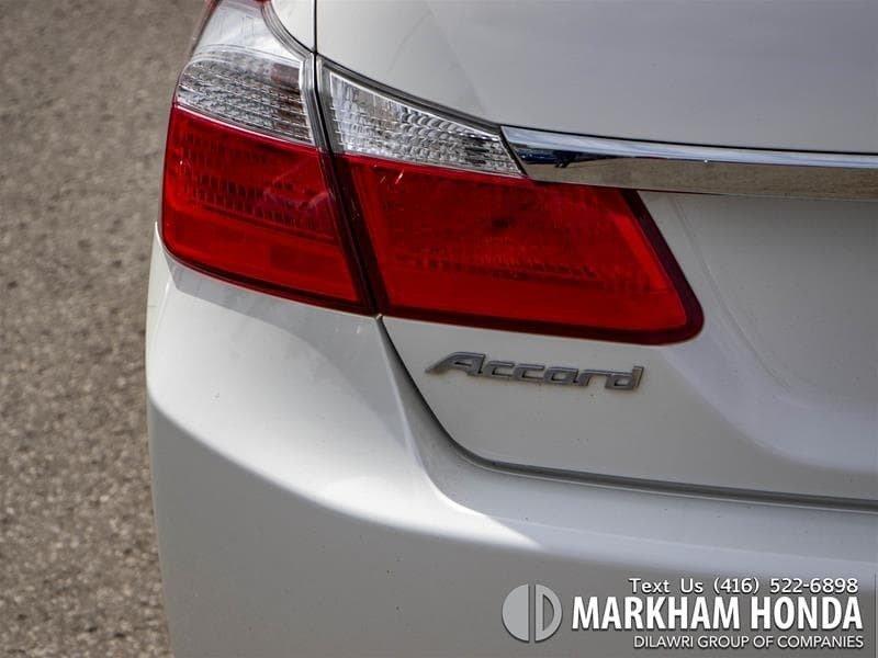 2015 Honda Accord Sedan L4 LX 6sp in Markham, Ontario - 5 - w1024h768px