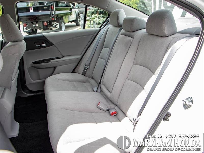 2015 Honda Accord Sedan L4 LX 6sp in Markham, Ontario - 9 - w1024h768px