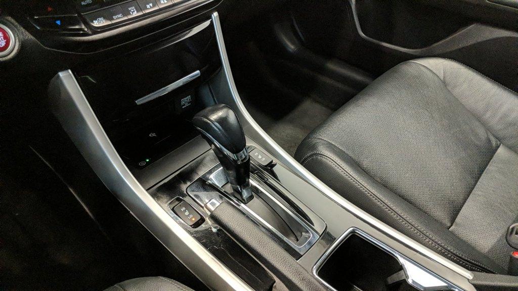 2016 Honda Accord Sedan L4 Touring CVT in Regina, Saskatchewan - 4 - w1024h768px