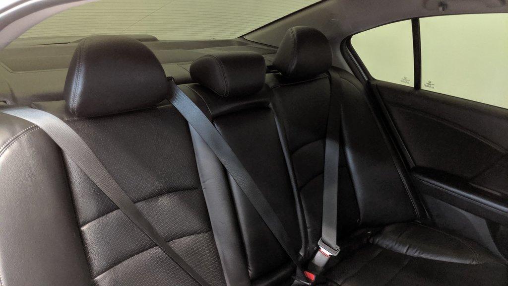 2016 Honda Accord Sedan L4 Touring CVT in Regina, Saskatchewan - 13 - w1024h768px