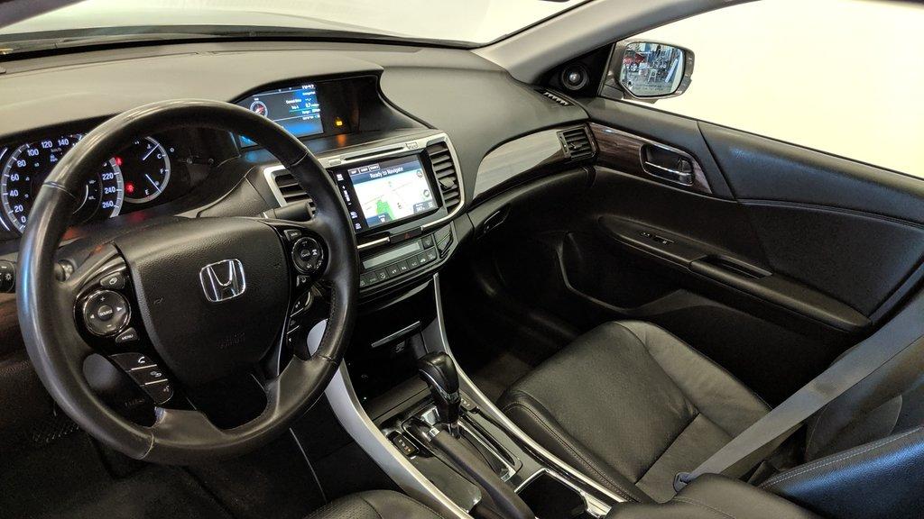 2016 Honda Accord Sedan L4 Touring CVT in Regina, Saskatchewan - 11 - w1024h768px