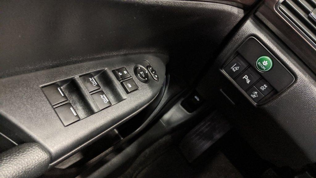 2016 Honda Accord Sedan L4 Touring CVT in Regina, Saskatchewan - 3 - w1024h768px