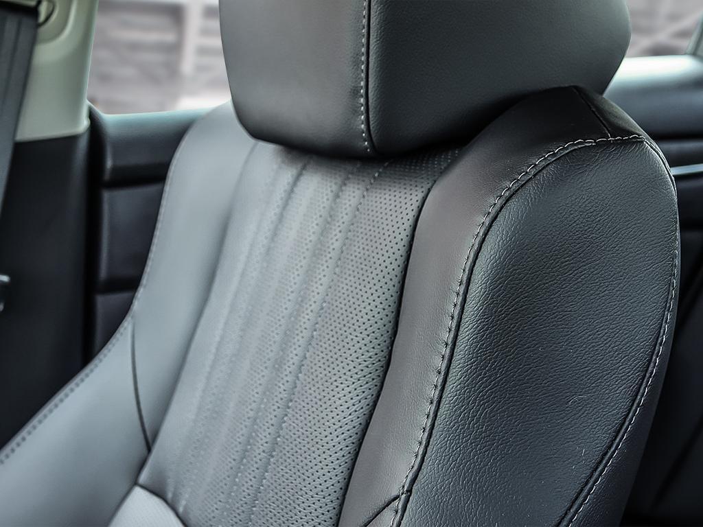 2019 Honda Accord Sedan Touring CVT in Mississauga, Ontario - 20 - w1024h768px