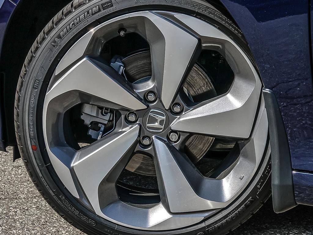 2019 Honda Accord Sedan Touring CVT in Mississauga, Ontario - 8 - w1024h768px