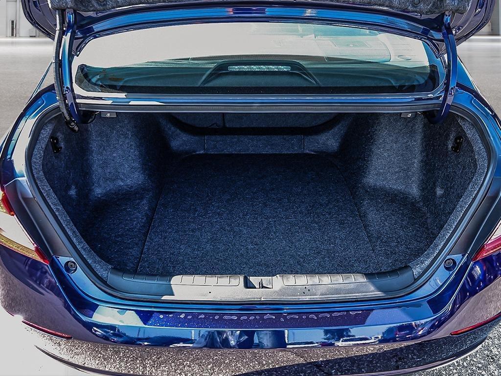 2019 Honda Accord Sedan Touring CVT in Mississauga, Ontario - 7 - w1024h768px