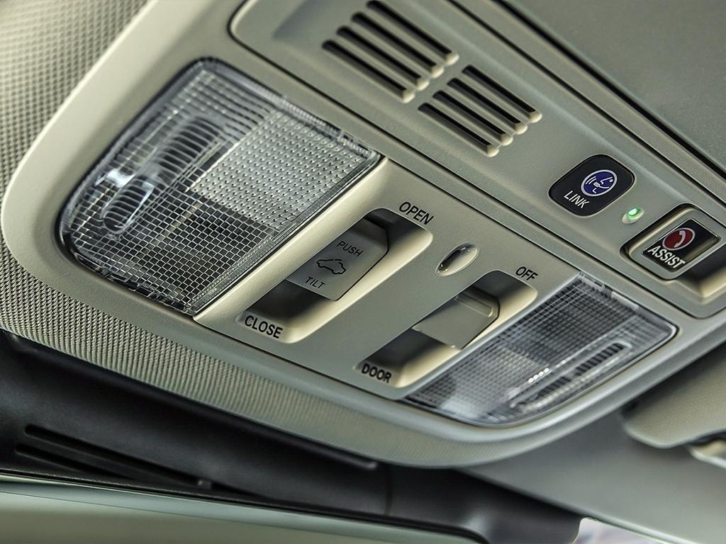 2019 Honda Accord Sedan Touring CVT in Mississauga, Ontario - 19 - w1024h768px