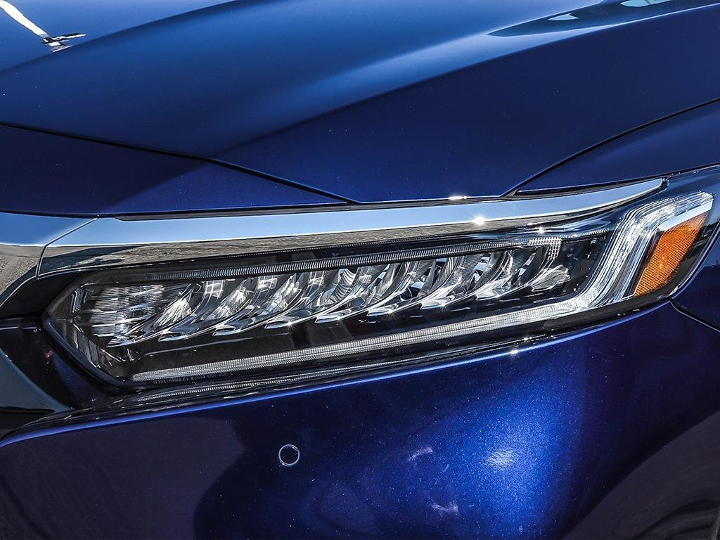 2019 Honda Accord Sedan Touring CVT in Mississauga, Ontario - 10 - w1024h768px