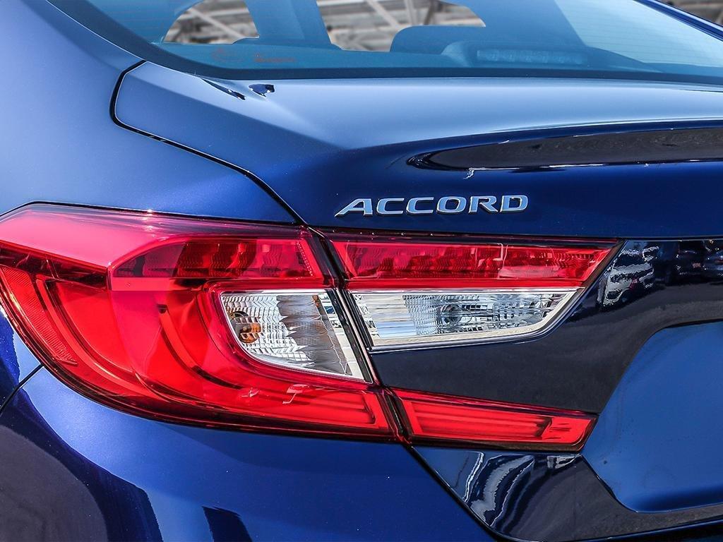 2019 Honda Accord Sedan Touring CVT in Mississauga, Ontario - 11 - w1024h768px