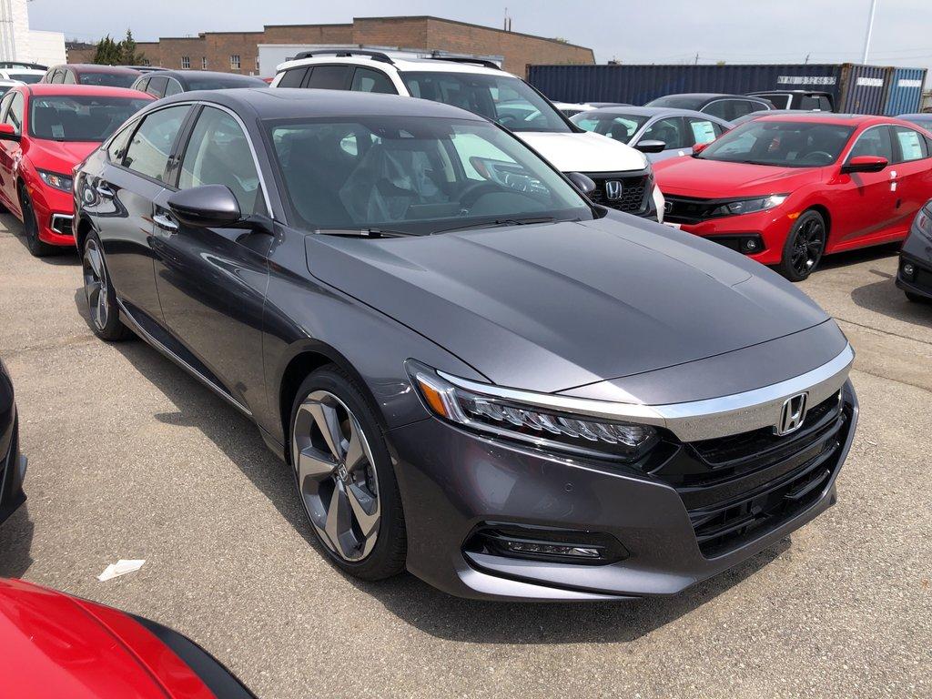 2019 Honda Accord Sedan Touring CVT in Oakville, Ontario - 3 - w1024h768px
