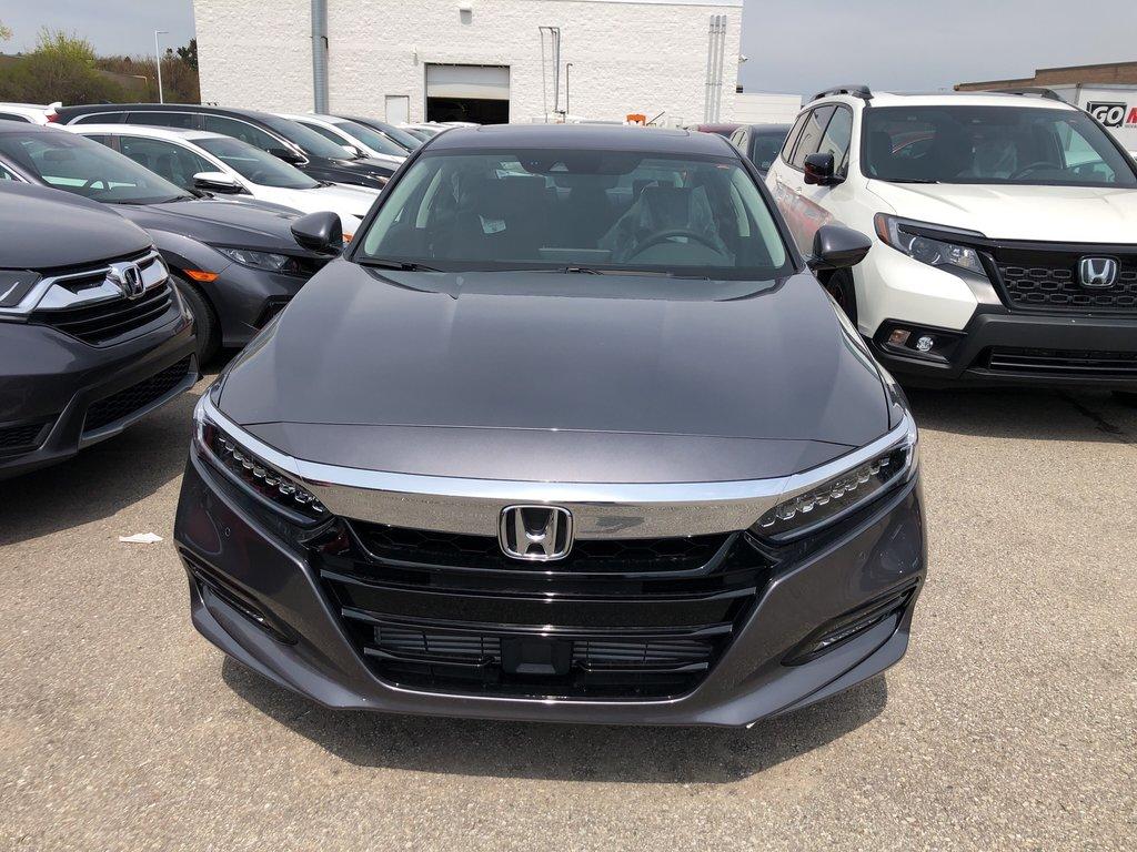 2019 Honda Accord Sedan Touring CVT in Oakville, Ontario - 2 - w1024h768px