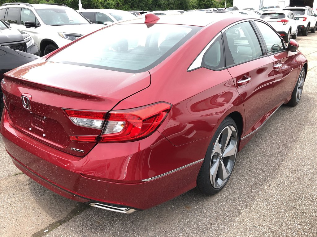 2019 Honda Accord Sedan Touring CVT in Oakville, Ontario - 4 - w1024h768px