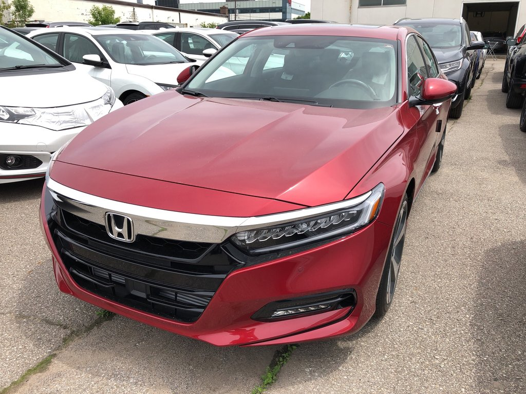2019 Honda Accord Sedan Touring CVT in Oakville, Ontario - 1 - w1024h768px