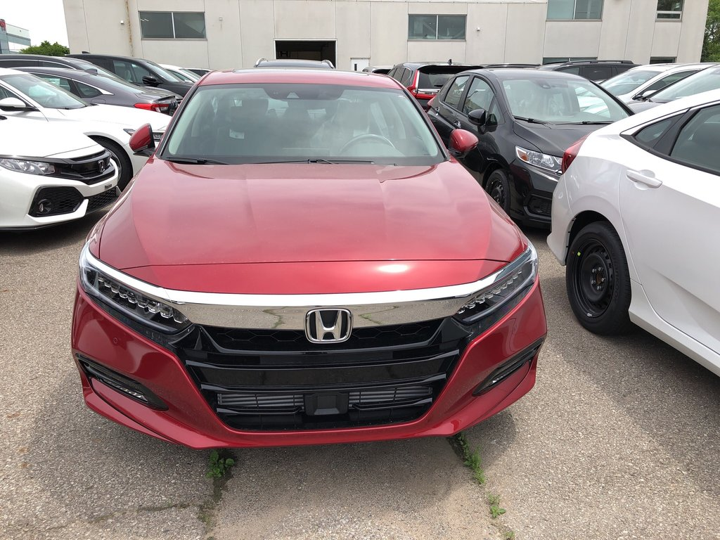 2019 Honda Accord Sedan Touring CVT in Oakville, Ontario - 2 - w1024h768px
