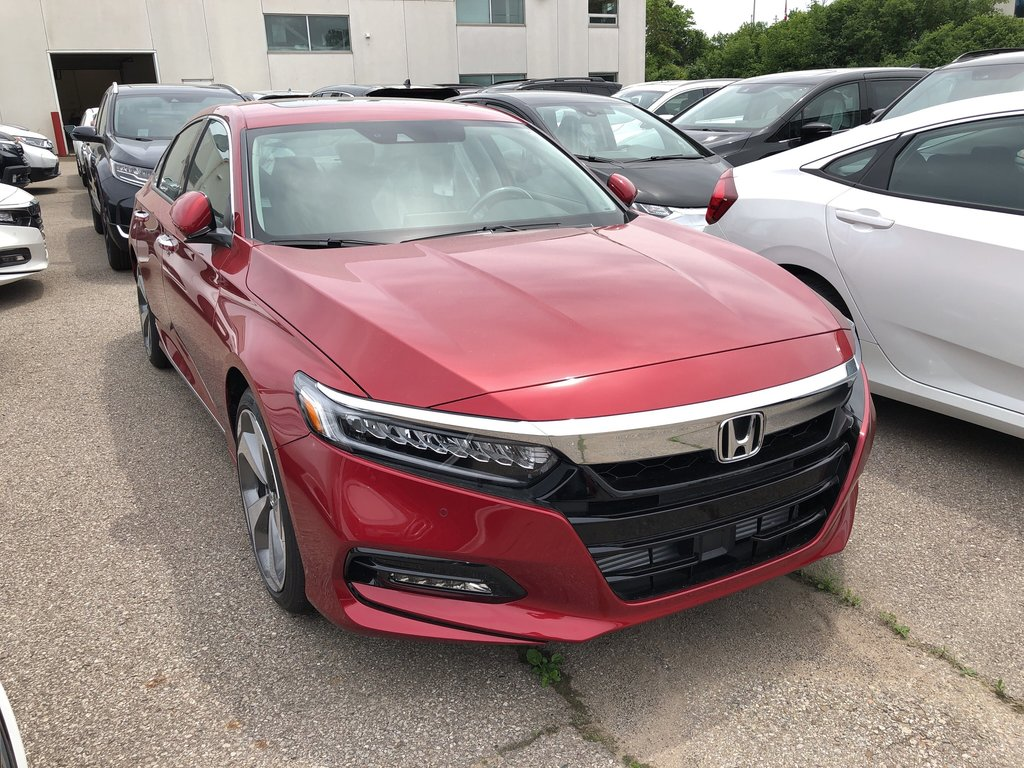2019 Honda Accord Sedan Touring CVT in Oakville, Ontario - 3 - w1024h768px