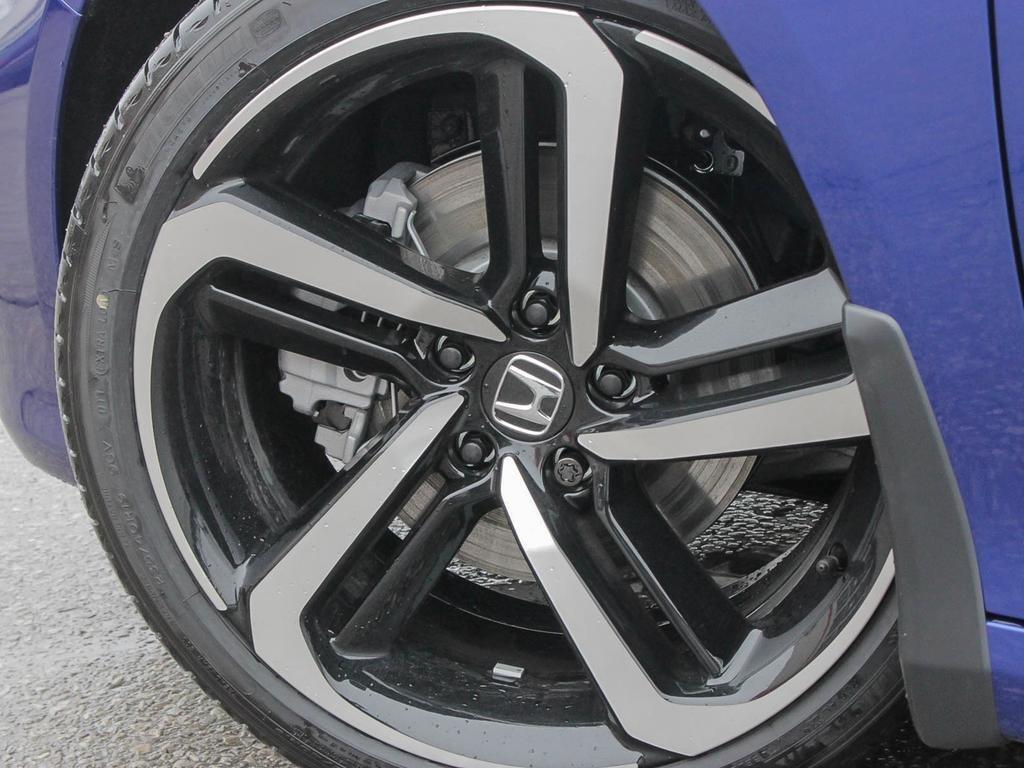 2019 Honda Accord Sedan Sport CVT in Mississauga, Ontario - 8 - w1024h768px