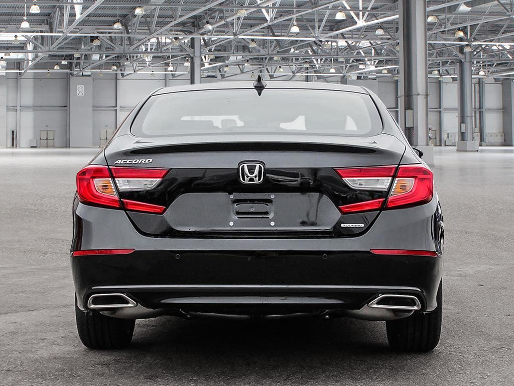 2019 Honda Accord Sedan Touring CVT in Mississauga, Ontario - 5 - w1024h768px