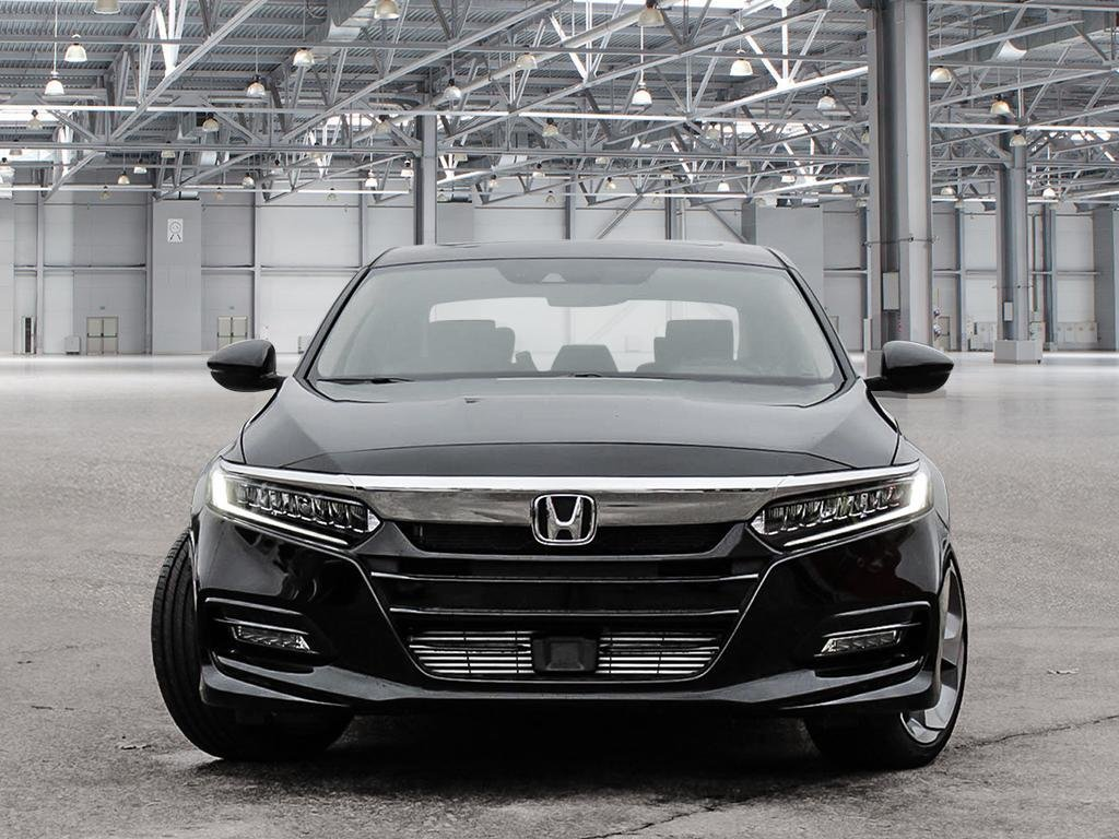 2019 Honda Accord Sedan Touring CVT in Mississauga, Ontario - 2 - w1024h768px