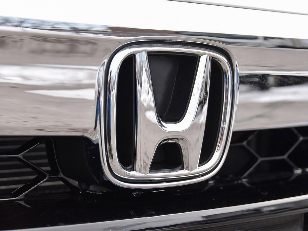 2019 Honda Accord Sedan 2.0 Touring 10AT in Markham, Ontario - 9 - w1024h768px