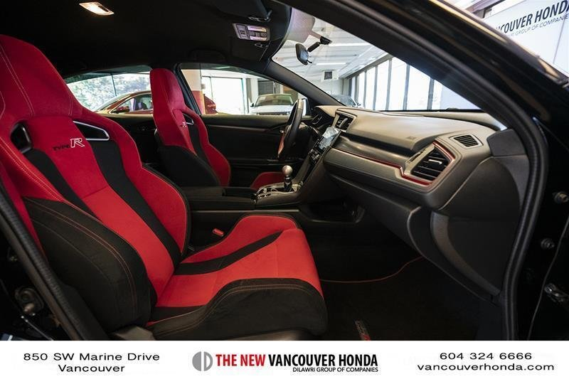 2017 Honda Civic Hatchback Type R 6MT in Vancouver, British Columbia - 39 - w1024h768px