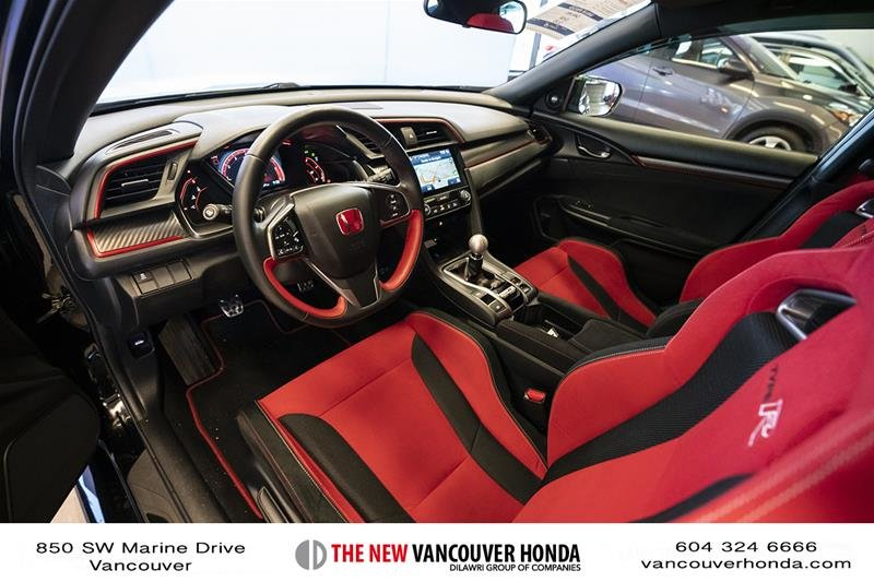 2017 Honda Civic Hatchback Type R 6MT in Vancouver, British Columbia - 12 - w1024h768px