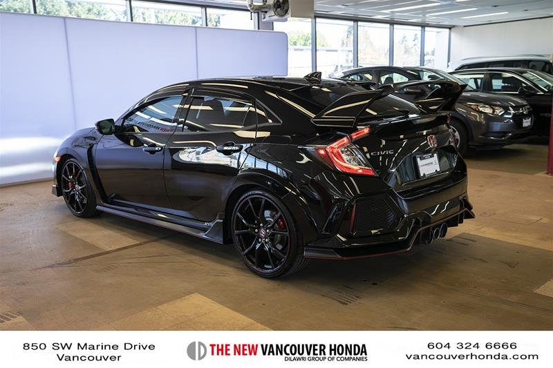 2017 Honda Civic Hatchback Type R 6MT in Vancouver, British Columbia - 8 - w1024h768px