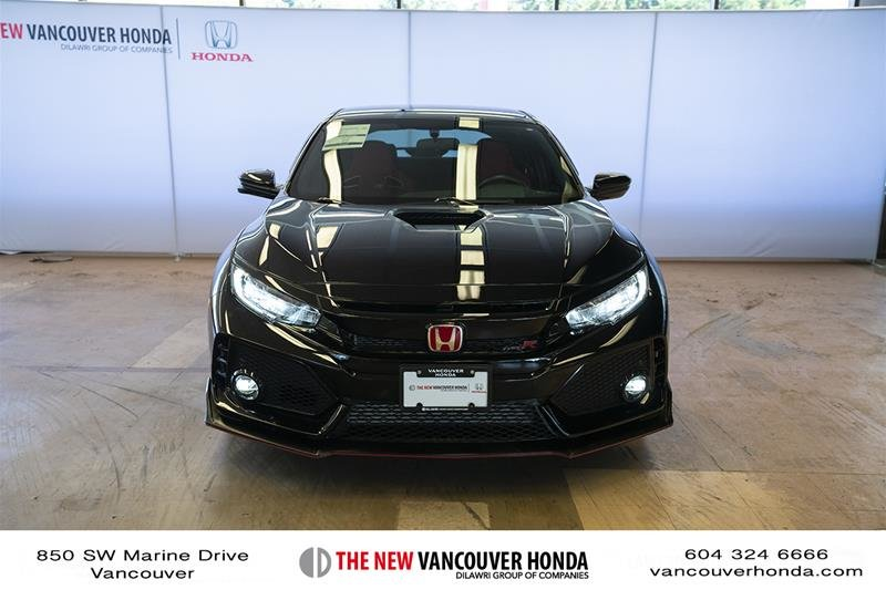 2017 Honda Civic Hatchback Type R 6MT in Vancouver, British Columbia - 2 - w1024h768px