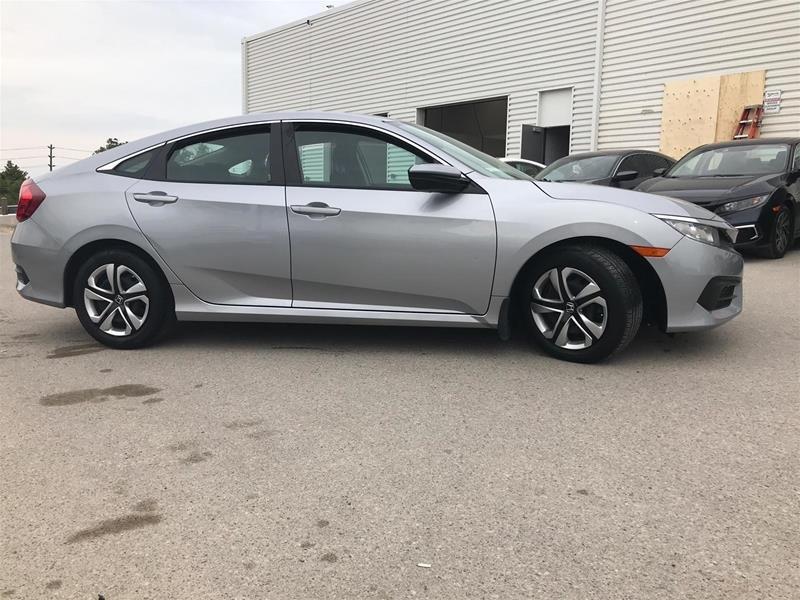 2017 Honda Civic Sedan LX CVT in Mississauga, Ontario - 7 - w1024h768px