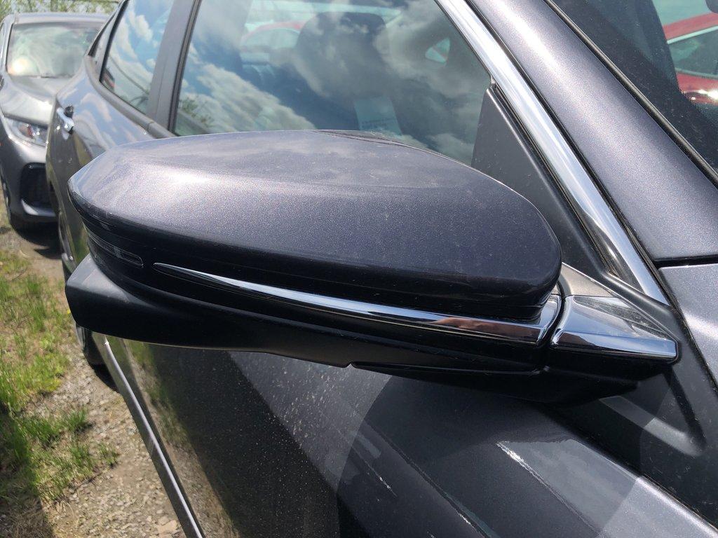 2019 Honda Civic Sedan Touring CVT in Markham, Ontario - 5 - w1024h768px