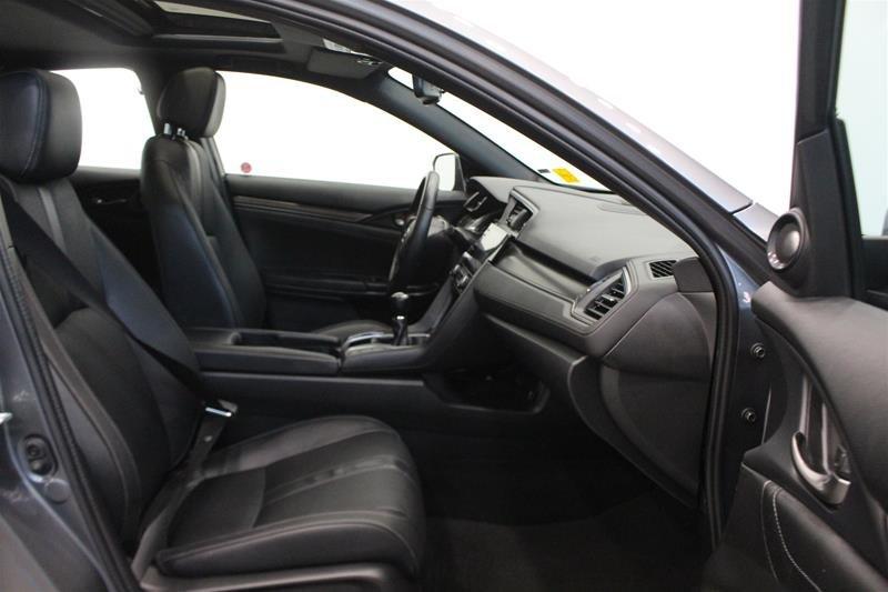 2019 Honda Civic Hatchback Touring MT in Regina, Saskatchewan - 15 - w1024h768px