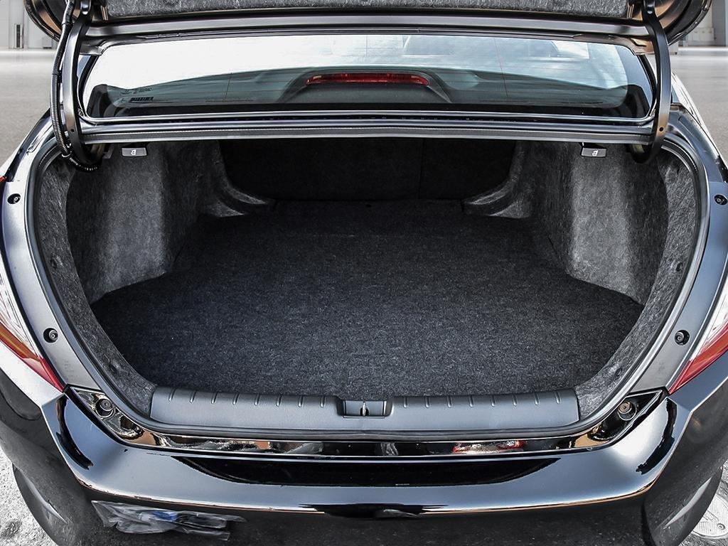 2019 Honda Civic Sedan Sport CVT in Mississauga, Ontario - 7 - w1024h768px