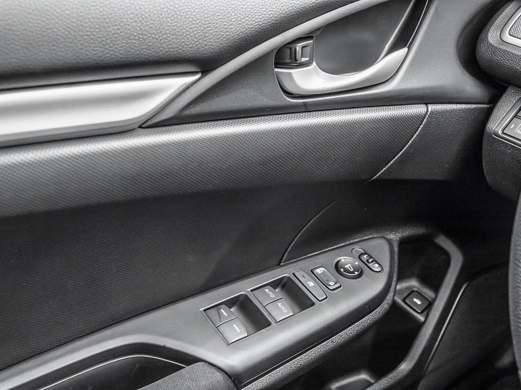 2019 Honda Civic Sedan LX CVT in Markham, Ontario - 16 - w1024h768px