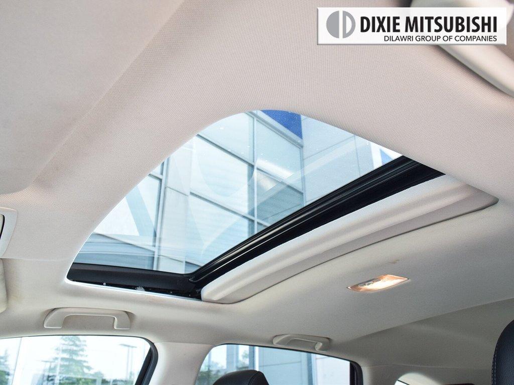 2016 Honda CR-V Touring AWD in Mississauga, Ontario - 26 - w1024h768px