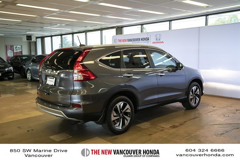 2016 Honda CR-V Touring AWD in Vancouver, British Columbia - 5 - w1024h768px