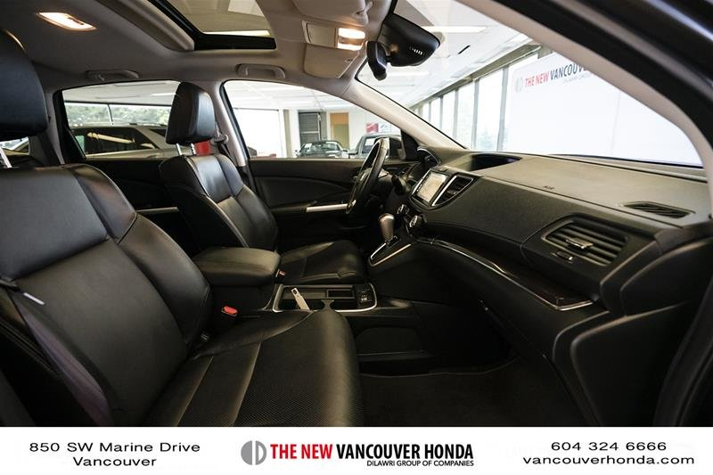2016 Honda CR-V Touring AWD in Vancouver, British Columbia - 16 - w1024h768px