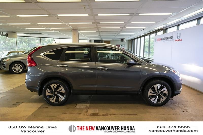 2016 Honda CR-V Touring AWD in Vancouver, British Columbia - 4 - w1024h768px
