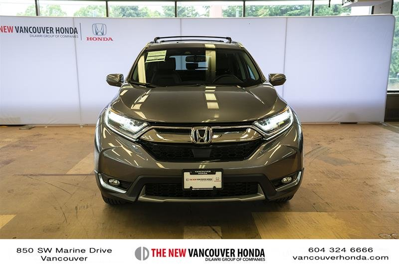 2017 Honda CR-V Touring AWD in Vancouver, British Columbia - 2 - w1024h768px