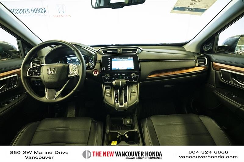 2017 Honda CR-V Touring AWD in Vancouver, British Columbia - 13 - w1024h768px